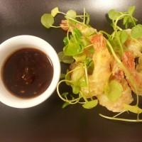 Krewetki w tempurze/sos słodko kwaśny/zielone curry/ rukiew wodna