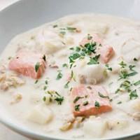 Chowder  rybny z małżami